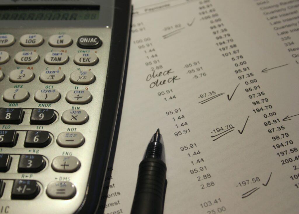 CHARLES & KEITH(チャールズアンドキース)の送料や関税はかかる?