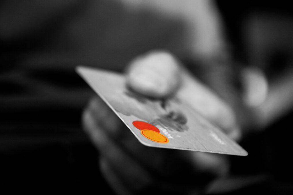 .st(ドットエスティ)の送料や支払い方法